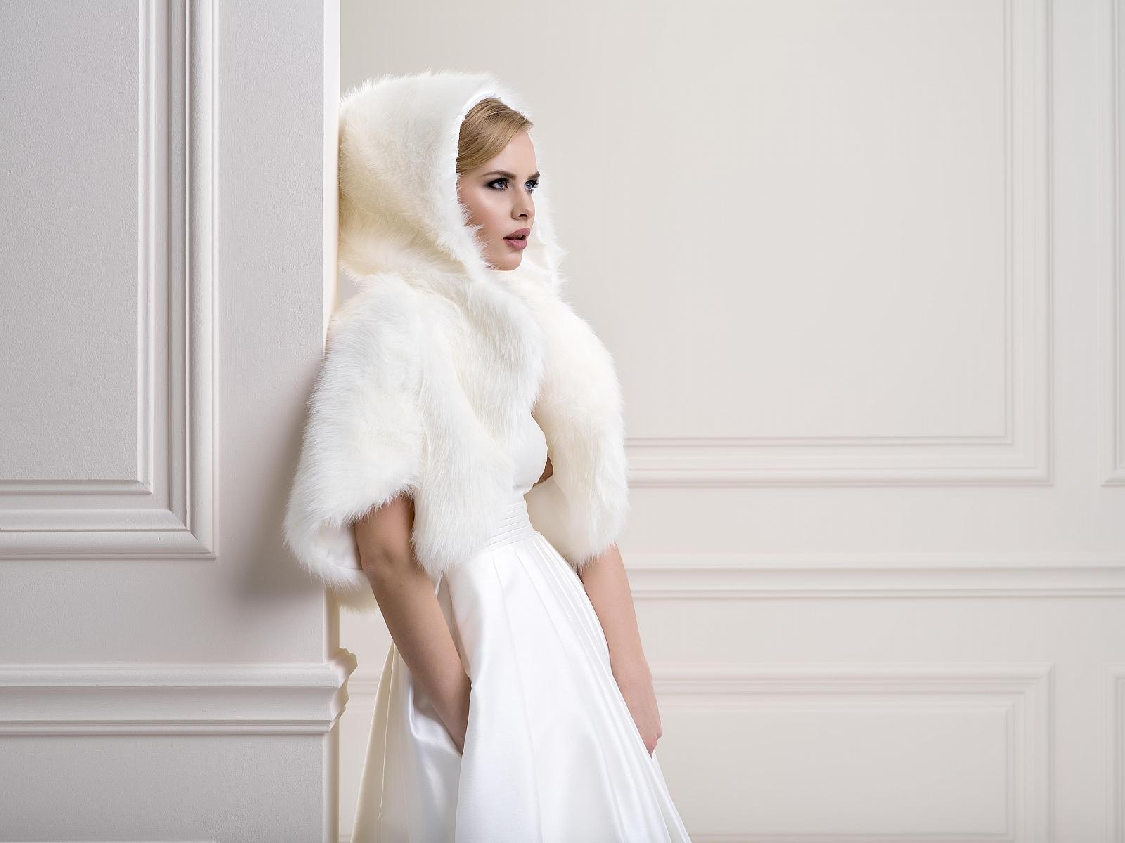 colori delicati sconto fino al 60% offrire Sposa d'inverno: gli accessori che non possono mancare | La ...