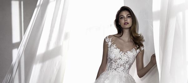 7 cose che la sposa deve assolutamente indossare  f337abffecf