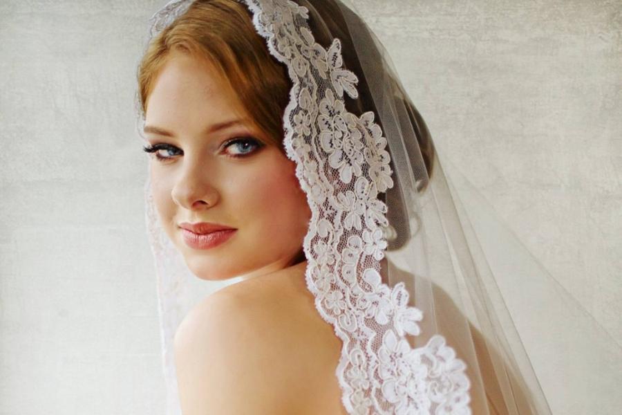 Velo da sposa: come sceglierlo in base alla forma del viso